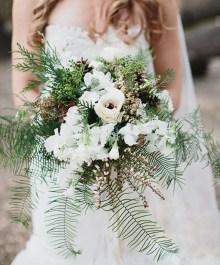 Modern Rustic Winter Wedding Flowers Ideas29