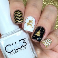Outstanding Christmas Nail Art New 2017 Ideas06