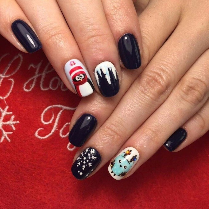 Outstanding Christmas Nail Art New 2017 Ideas17