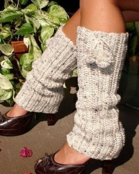 Incredible Winter Outfits Ideas With Leg Warmers04