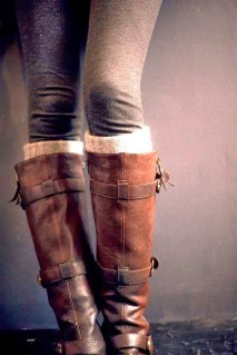 Incredible Winter Outfits Ideas With Leg Warmers18