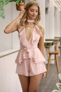 Inpiring Outfits Ideas For Valentines Day14