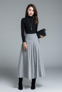 Stunning Winter Outfits Ideas With Skirts01