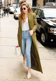 Beautiful Outfits Ideas To Wear This Spring40