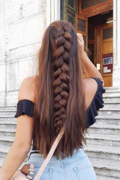 Charming Hairstyles Ideas For Long Hair16