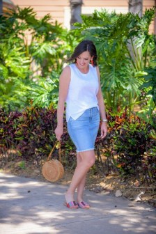 Elegant Denim Skirts Outfits Ideas For Spring01