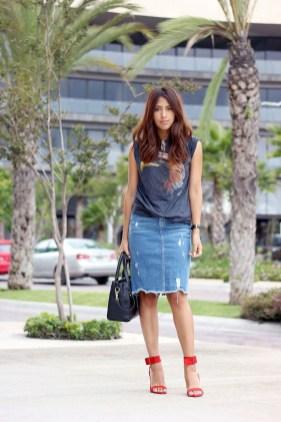Elegant Denim Skirts Outfits Ideas For Spring18