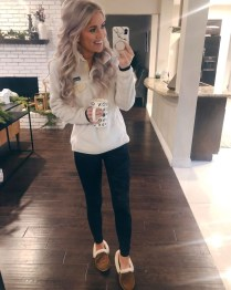 Impressive Holiday Outfits Ideas05