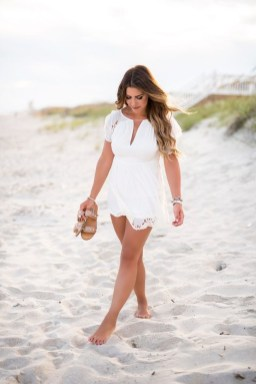 Stylish Fashion Beach Outfit Ideas06