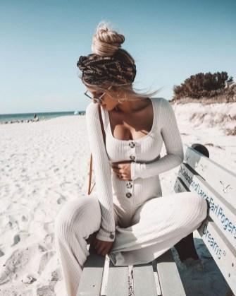 Stylish Fashion Beach Outfit Ideas35