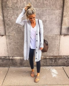 Attractive Spring Outfits Ideas23