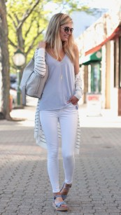 Attractive Spring Outfits Ideas31