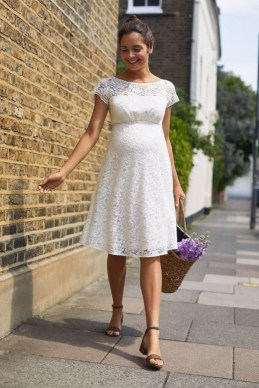 Gorgeous Maternity Wedding Outfits Ideas For Spring06