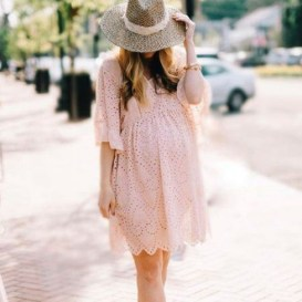 Gorgeous Maternity Wedding Outfits Ideas For Spring22