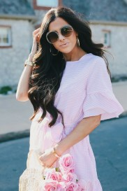 Gorgeous Maternity Wedding Outfits Ideas For Spring23