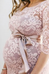 Gorgeous Maternity Wedding Outfits Ideas For Spring36