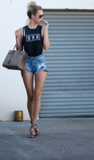 Wonderful Summer Outfits Ideas For Ladies18