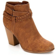 Best Ideas To Wear Wide Ankle Boots This Spring30