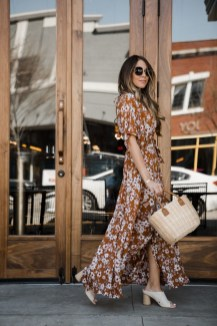 Charming Women Outfits Ideas For Spring And Summer19