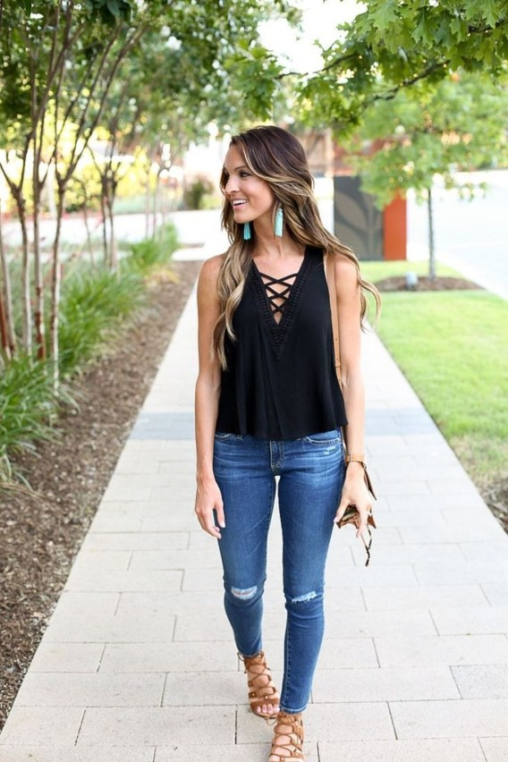 Charming Women Outfits Ideas For Spring And Summer37