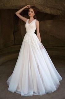 Pretty V Neck Tulle Wedding Dress Ideas For 201905