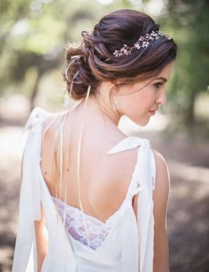 Unique Wedding Hairstyles Ideas For Round Faces33