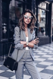Attractive Business Work Outfits Ideas For Women 201941