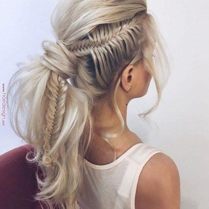 Captivating Boho Hairstyle Ideas For Curly And Straight Hair26