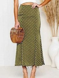 Delicate Polka Dot Maxi Skirt Ideas For Reunion23