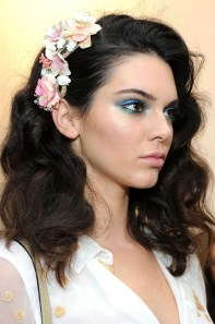 Fashionable Hairstyle Ideas For Summer Wedding Guest32