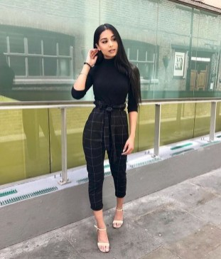 Stylish Outfits Ideas For Professional Women09