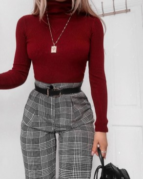 Charming Winter Outfits Ideas To Go To Office26