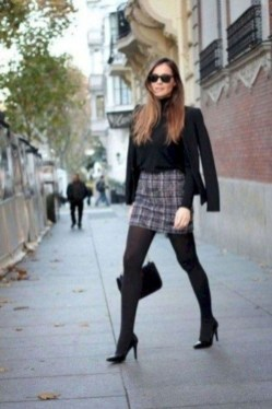 Charming Winter Outfits Ideas To Go To Office34