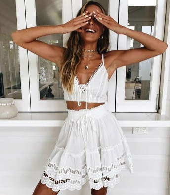 Cute Summer Outfits Ideas For Women You Must Try27