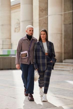 Elegant Winter Outfits Ideas For Men17