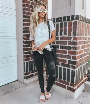 Inspiring Summer Outfits Ideas With Leggings To Try26