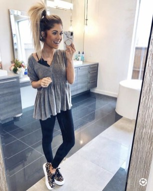 Inspiring Summer Outfits Ideas With Leggings To Try34