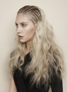 Latest Wavy Long Hair Styles Ideas For Blonde Females 201923