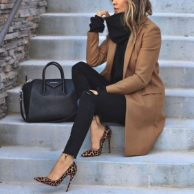 Unique Office Outfits Ideas For Career Women39