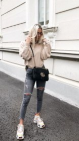 Attractive Sneakers Outfit Ideas For Fall And Winter12
