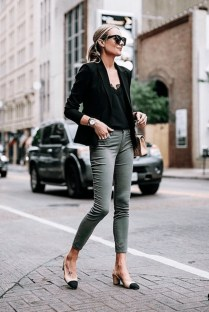 Attractive Spring And Summer Business Outfit Ideas For Women23