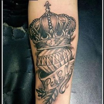 Comfy Crown Tattoos Ideas Youll Need To See32