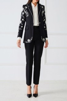 Cozy Combinations Ideas With Floral Blazers You Must Try13
