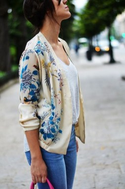 Cozy Combinations Ideas With Floral Blazers You Must Try16