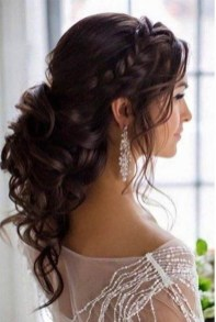 Elegant Wedding Hairstyle Ideas For Brides To Try31