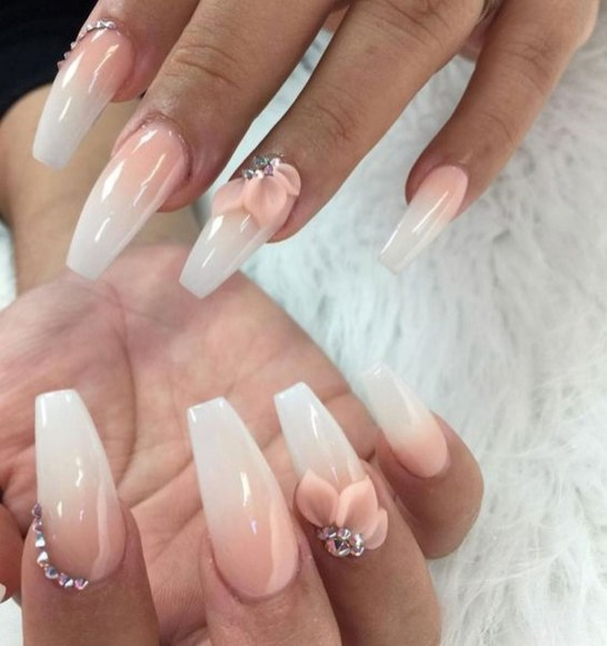 Fashionable Pink And White Nails Designs Ideas You Wish To Try07