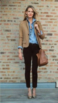 Impressive Spring And Summer Work Outfits Ideas For Women03