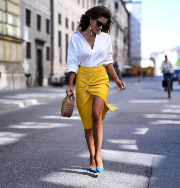 Impressive Spring And Summer Work Outfits Ideas For Women07