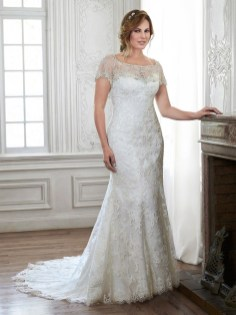 Impressive Wedding Dresses Ideas That Are Perfect For Curvy Brides19