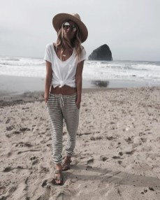 Newest Summer Beach Outfits Ideas For Women 201901
